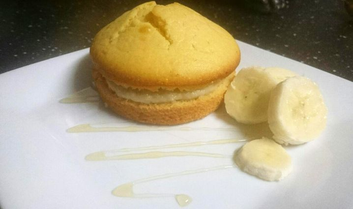 Banana Cream Mini Sponge Cake