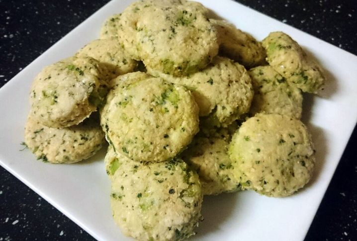 Broccoli and Cheese Wholemeal Biscuits