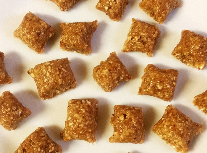 Cashew and Oat Energy Bites