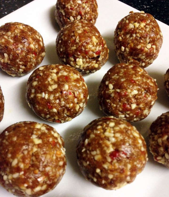 Fruit and Nut Snack Balls