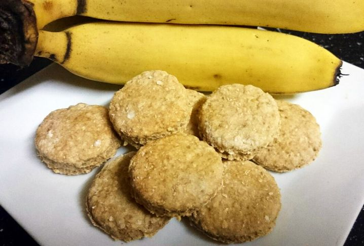 Wholemeal Banana Biscuits